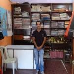 Nasir im kleinen Shop